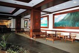 wb lobby12 01311